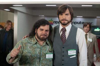 Ashton Kutcher Serves Up Some Steve Jobs Wisdom At The Teen Choice Awards