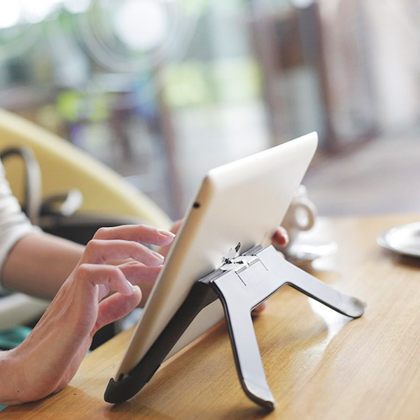 The Boomerang, A Unique iPad Stand And Mounting System, Is Now Shipping