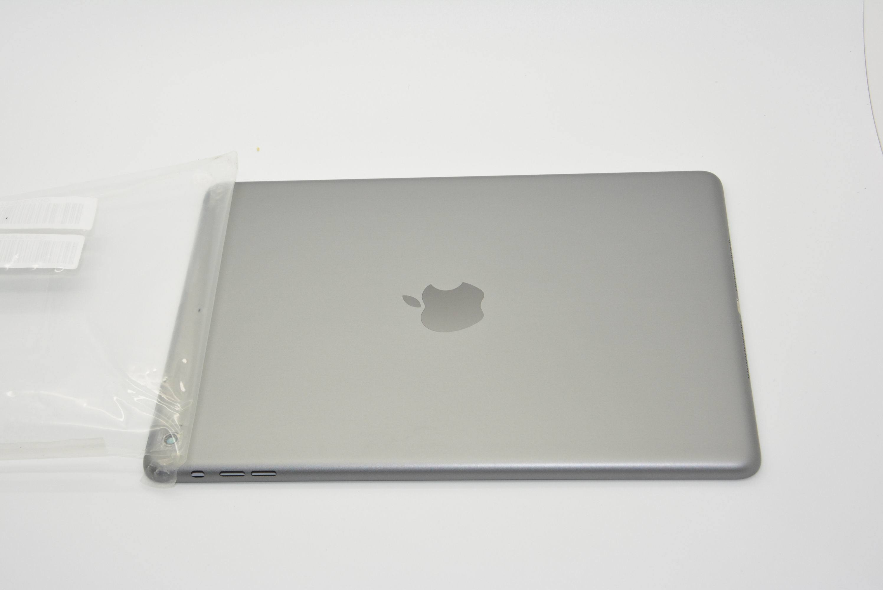 First Look At Apple's Anticipated Space Gray Fifth-Generation iPad