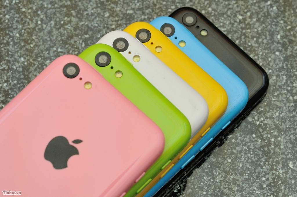 First Video Of Working iPhone 5C Hits The Web, Shows Off Safari Browsing