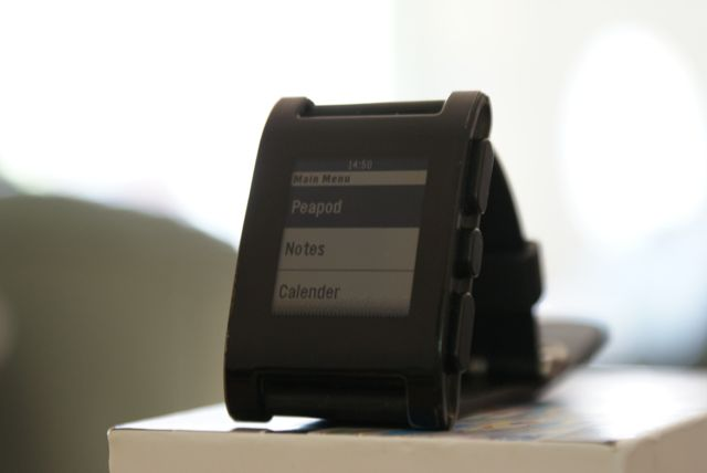 Peapod Plus Offers Pebble Users Reminders, Calendar, Battery Status And More