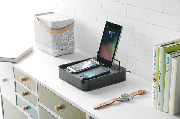 Bluelounge's New Sanctuary4 Charger Stand Offers More Power