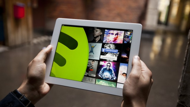 Spotify Mobile Free Officially Launches To Take On Apple's iTunes Radio