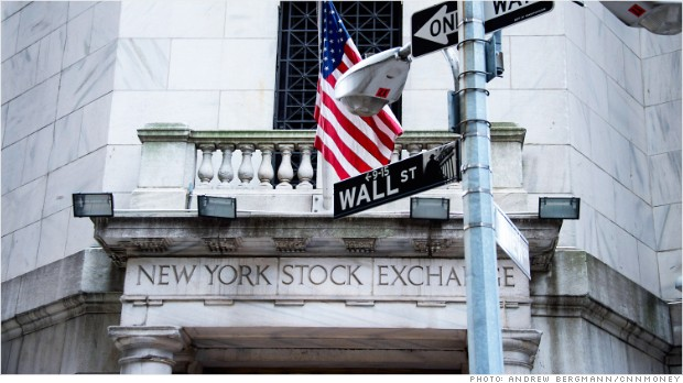Apple Leaves Wall Street Unimpressed As Stock Drops In Early Trading