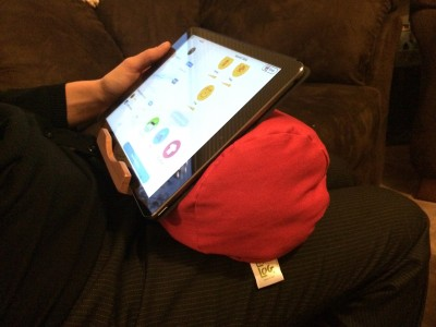 Comfortably Rest Your iPad, iPhone Or iPod Touch On Bamboosa's Eco-Friendly Lap Log