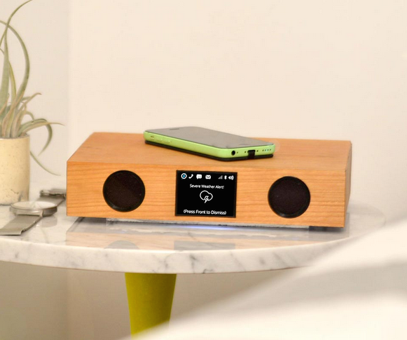 Macworld/iWorld 2014: Kickstart Glowdeck, A Wireless Companion For Your iPhone