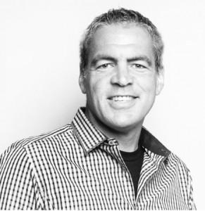 Apple Beefs Up Online Retail Efforts By Hiring Former Delta VP