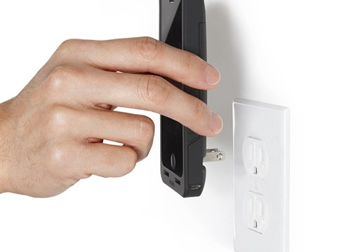 Macworld/iWorld 2014: Get Charging With Prong's PocketPlug For The iPhone
