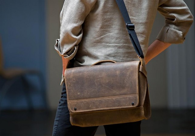 Review The Rough Rider Leather Messenger Bag By