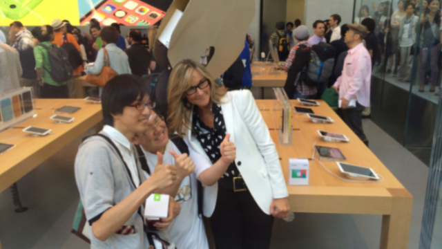 Apple Retail Head Angela Ahrendts Planning Major Restructuring Of Retail Stores