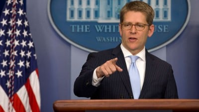 Former Obama spokesman Jay Carney is indeed in talks to become Apple's next PR chief