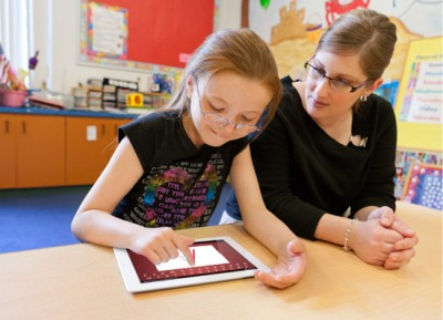 Los Angeles school district suspends Apple iPad contract