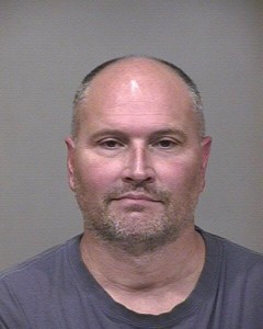 Watch former NBA player Rex Chapman's acts of Apple Store theft and court appearance