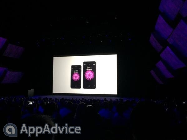 Apple officially announces its two new smartphones: the iPhone 6 and the iPhone 6 Plus