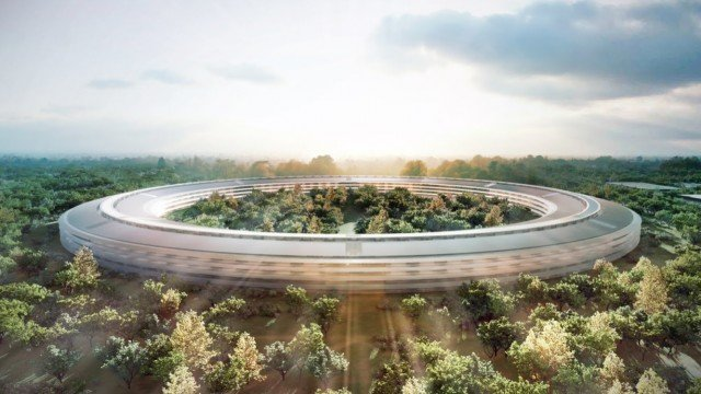 Check out this 4K drone's eye view of Apple's spaceship-like Campus 2