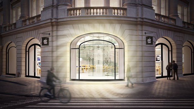 All eyes are on fashion, as Apple retail employees get a new look