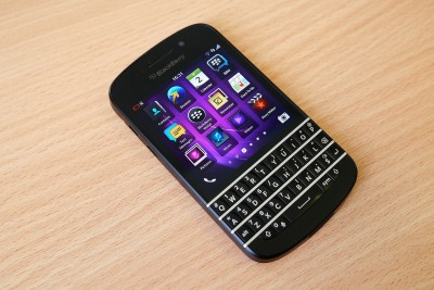Apple competitor Samsung is reportedly in talks to buy BlackBerry for $7.5 billion