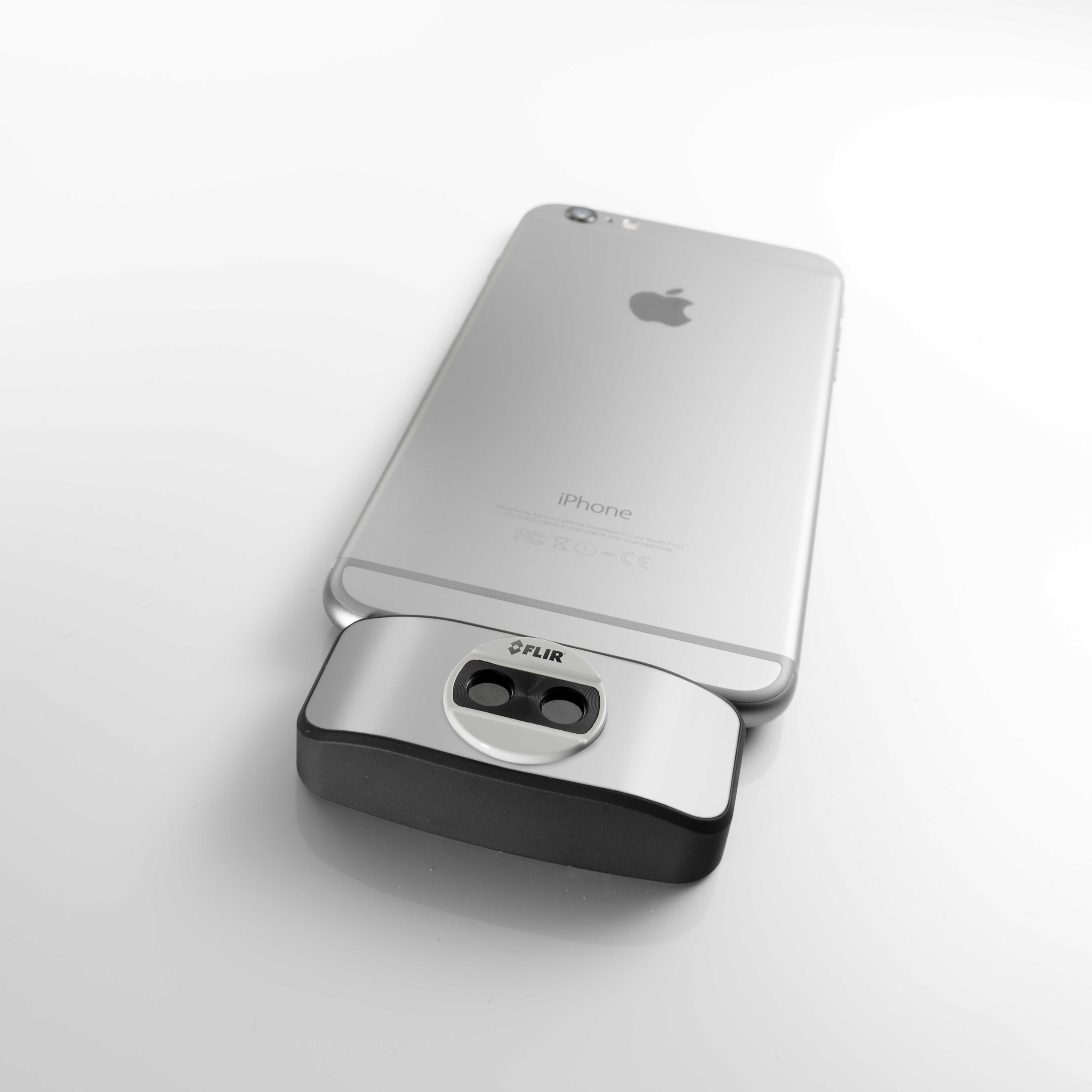 CES 2015: The next-generation FLIR One brings thermal imaging to any iPhone or iPad