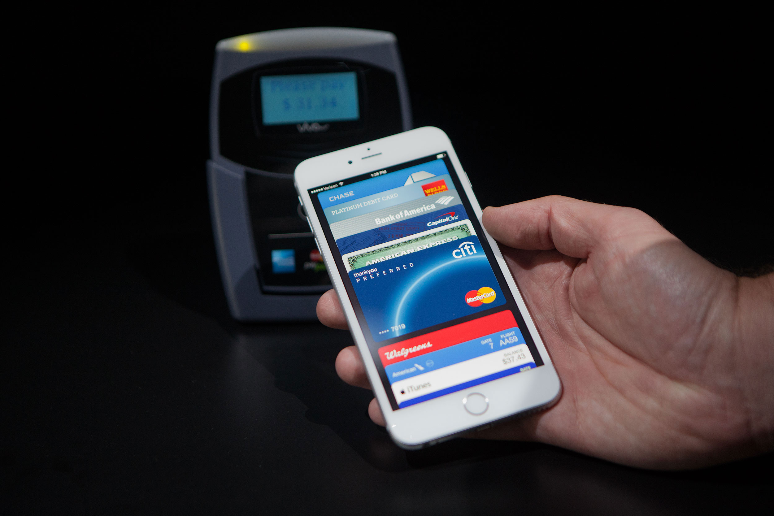 Soon you can use Apple Pay at Starbucks, KFC and Chili's