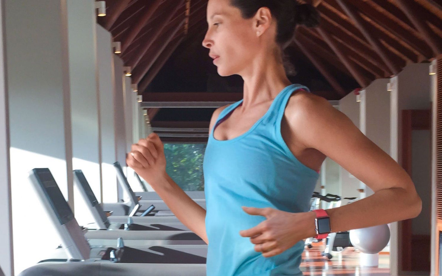 Apple Watch can learn your stride, according to Christy Turlington-Burns