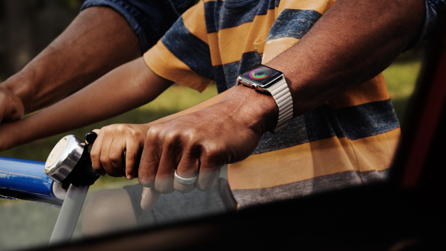 RunKeeper takes on the Workout app, launches a dedicated Apple Watch application