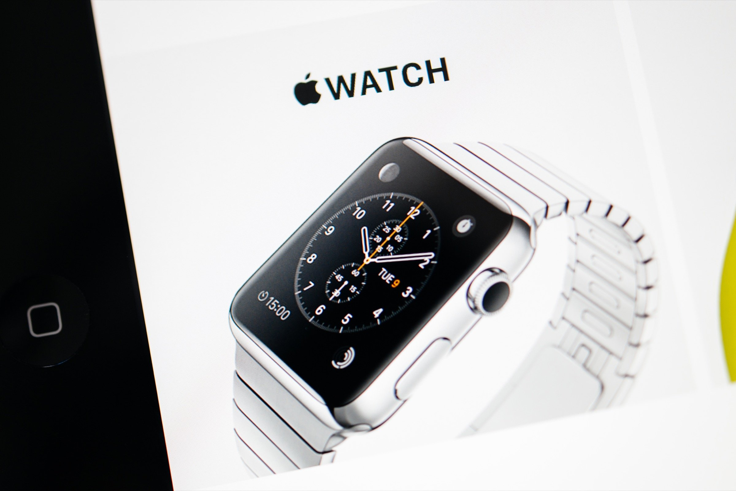 Here are the 10 Apple Watch apps you should download on launch day