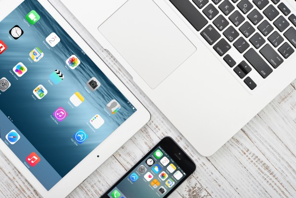 Numbers To Consider Ahead Of Apple's Second Quarter FY 2015 Earnings Call
