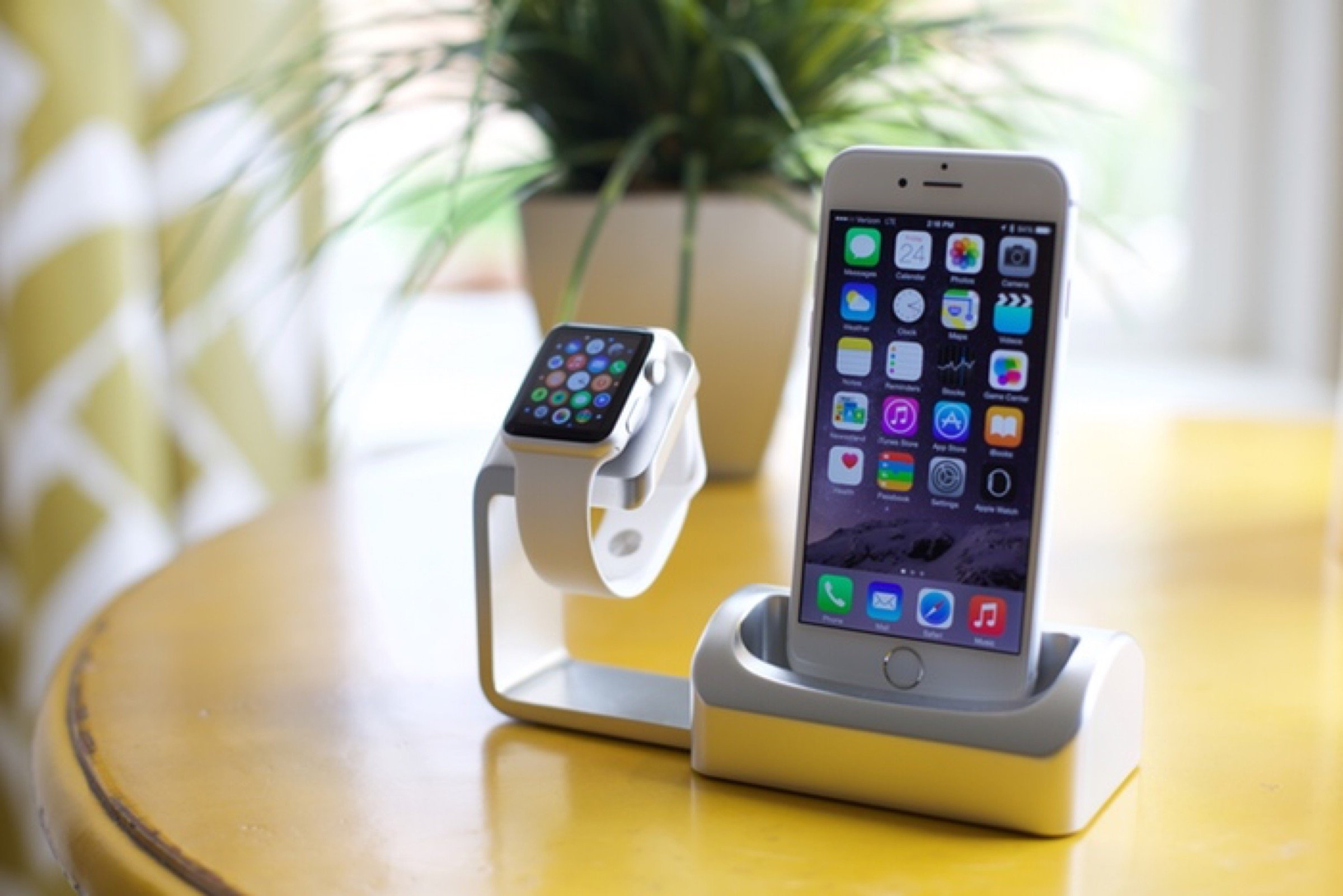 huge selection of 2cfe9 06887 Kickstarted: Duet Dock offers iPhone and Apple Watch owners an ...
