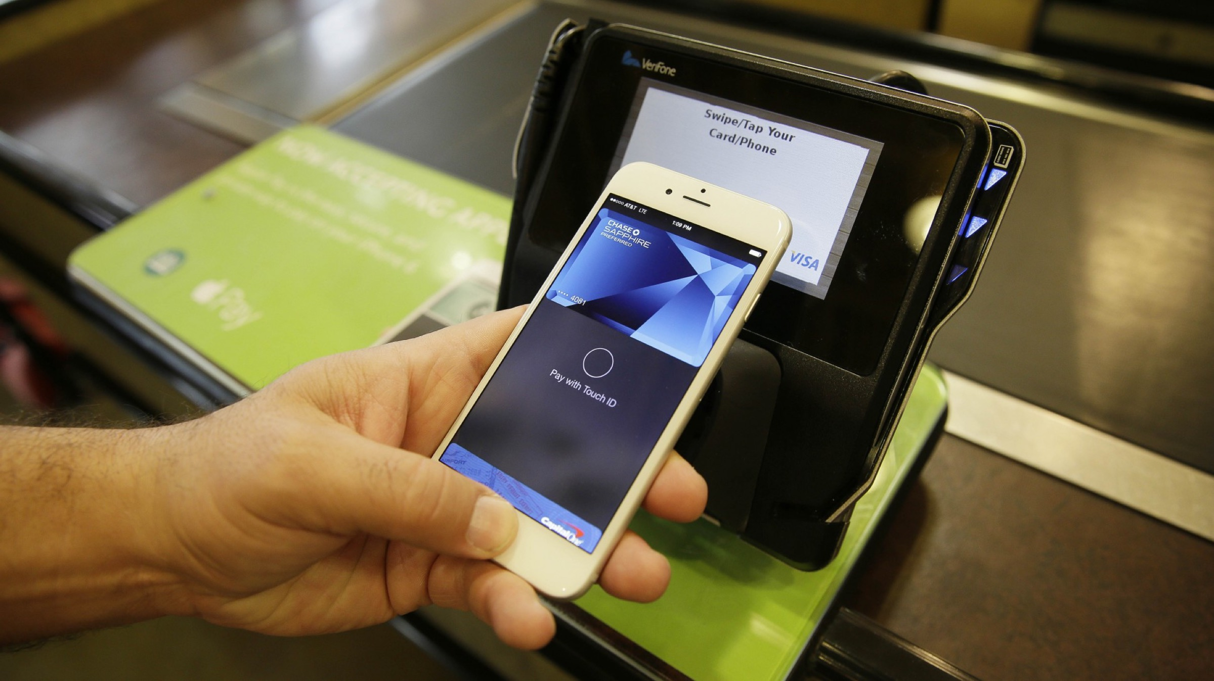 Whole Foods is offering an Apple Pay reward card, too