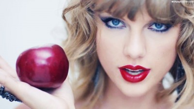 Apple faces the music and listens to Taylor Swift