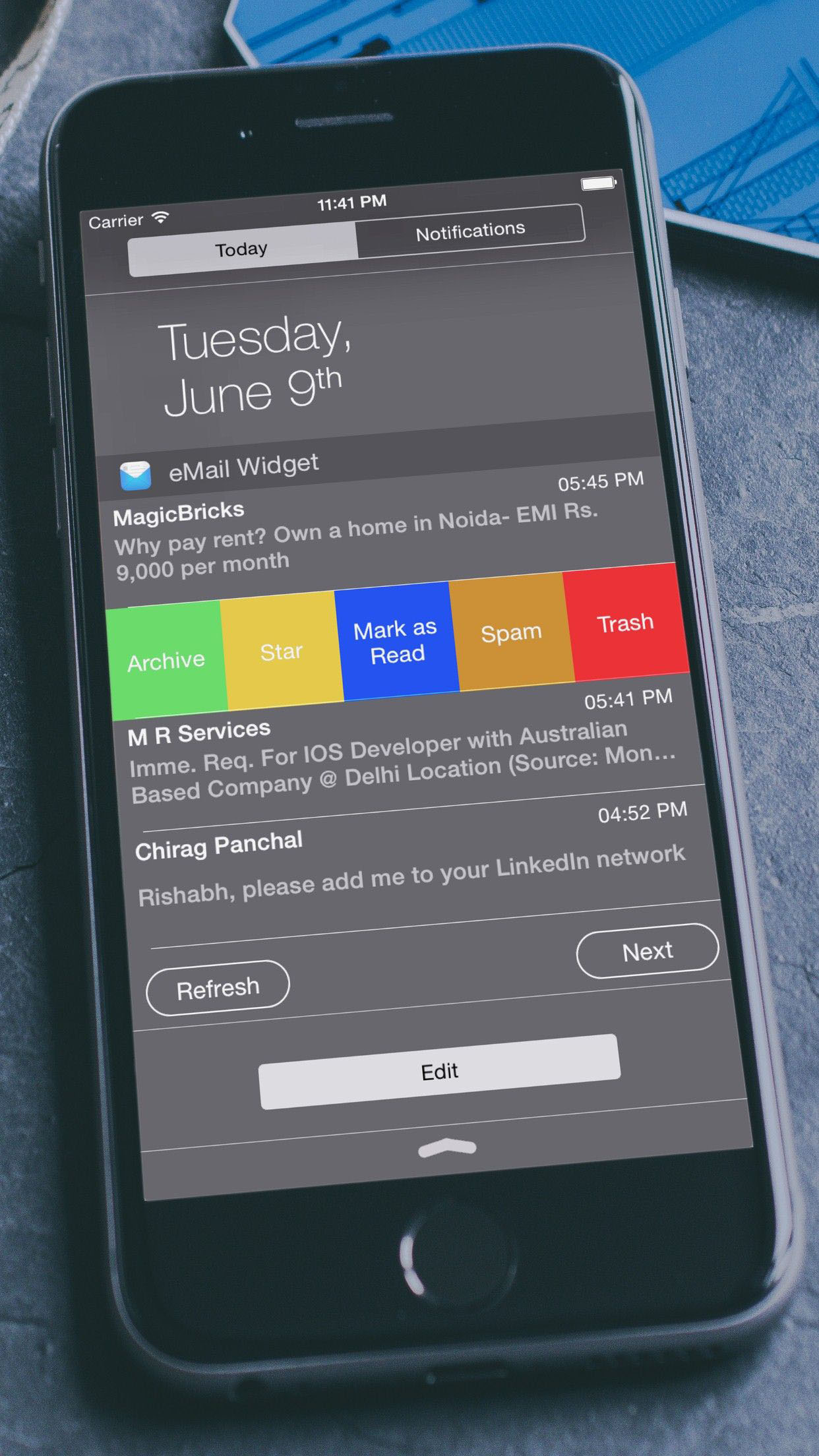 Add more accounts and handy widgets with eMail Widget 2