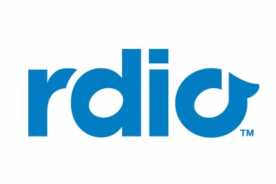 Late to the game, Rdio brings live radio to iOS