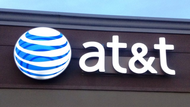 AT&T delays Wi-Fi calling rollout because of FCC regulations