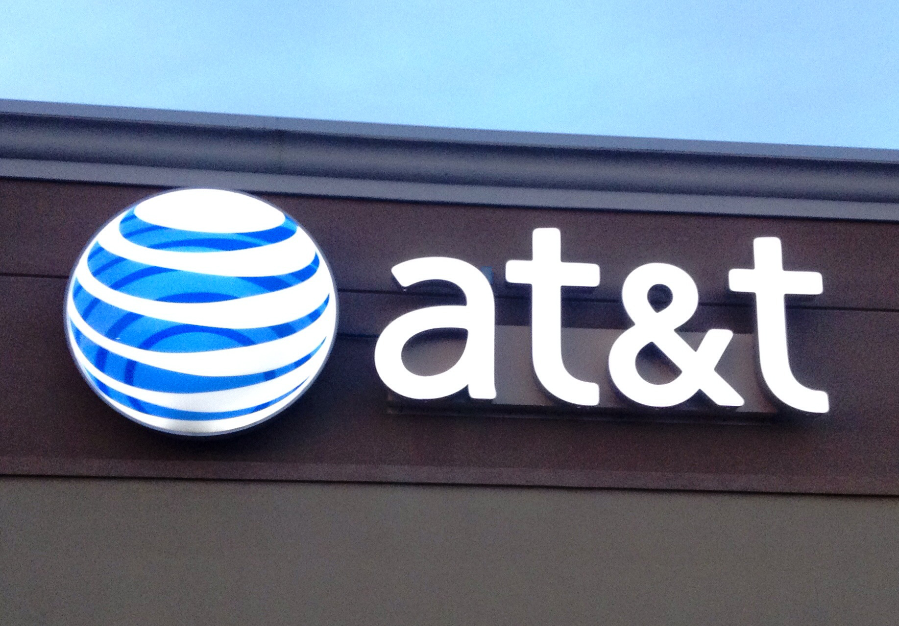 With new iPhones set to arrive soon, AT&T announces revamped data plans