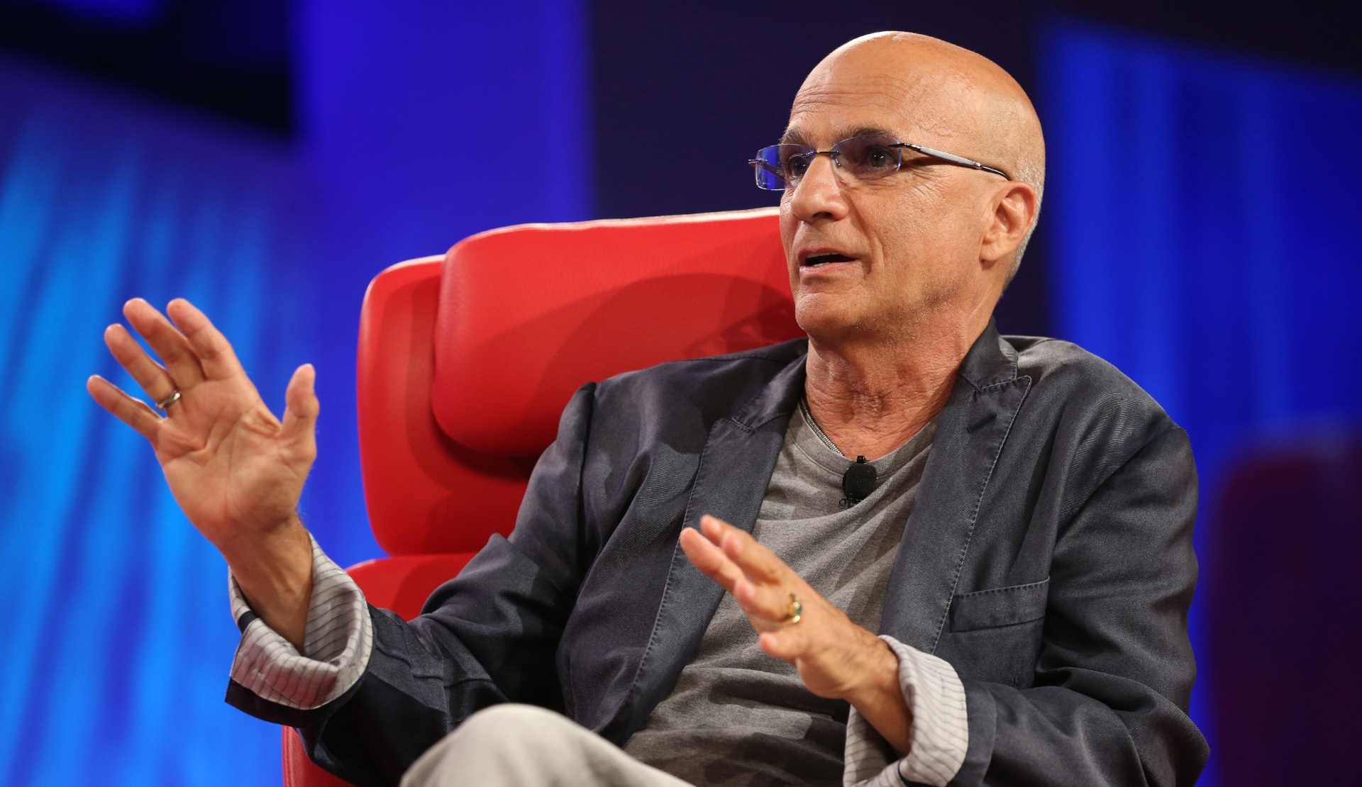 Apple's Jimmy Iovine says human curation could work for TV