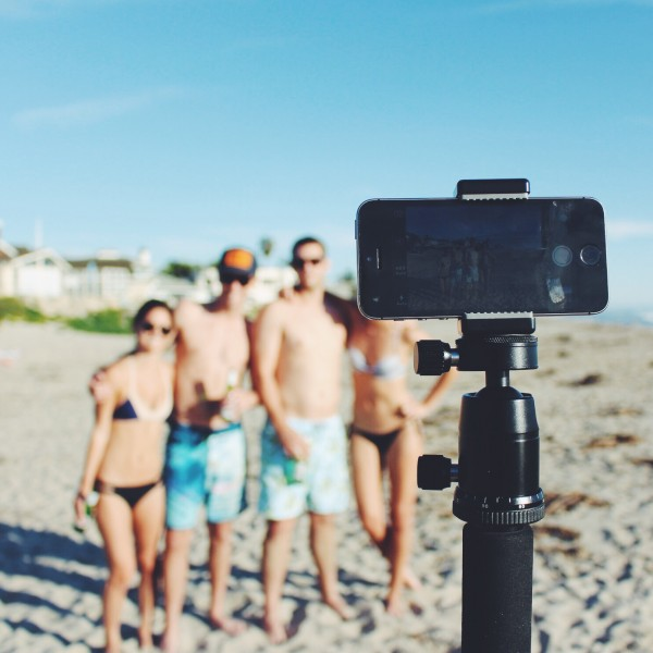 MonoShot gives you more shooting options than a selfie stick