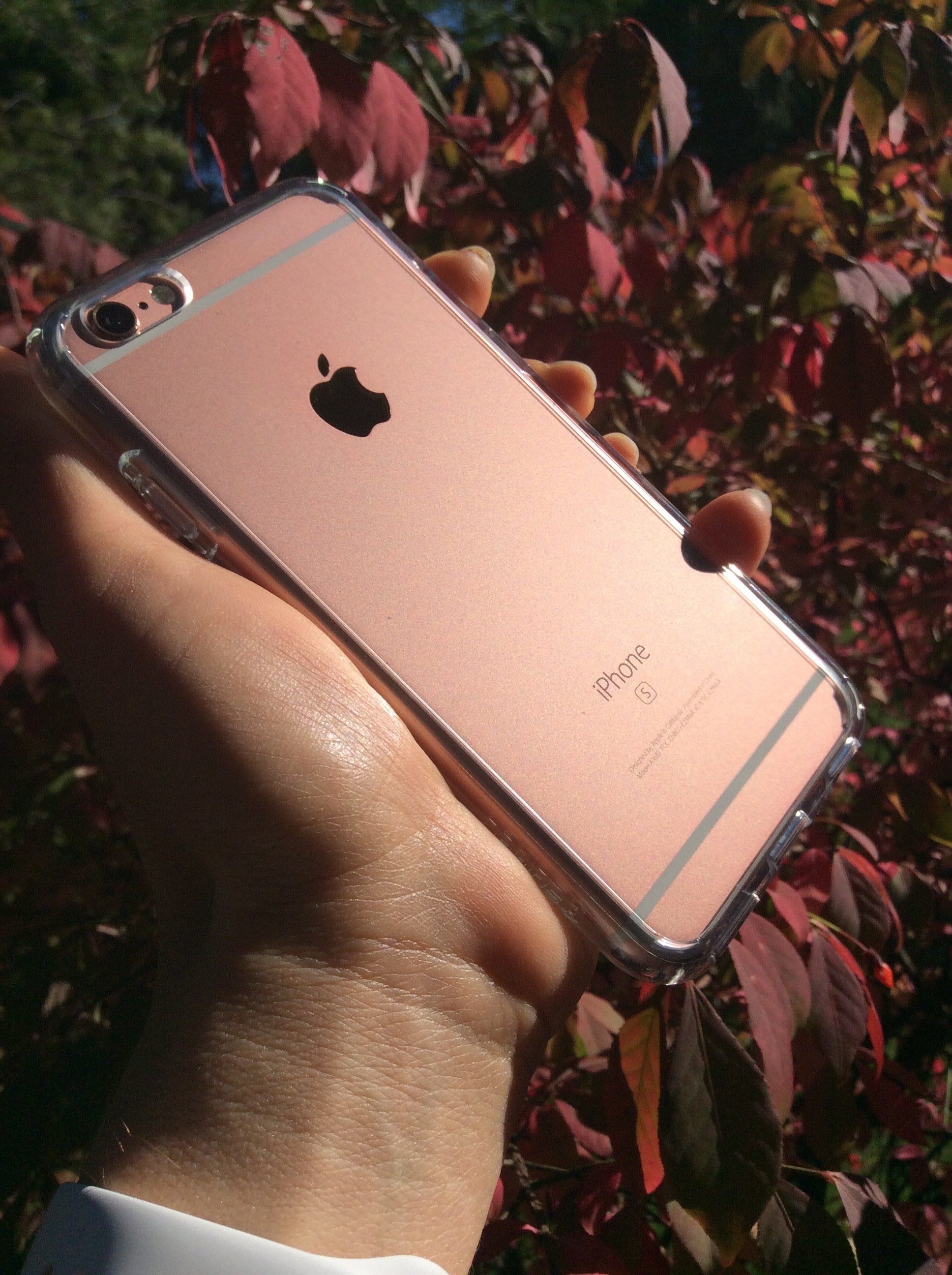 The Spigen Ultra Hybrid for iPhone 6s/6 offers clear protection