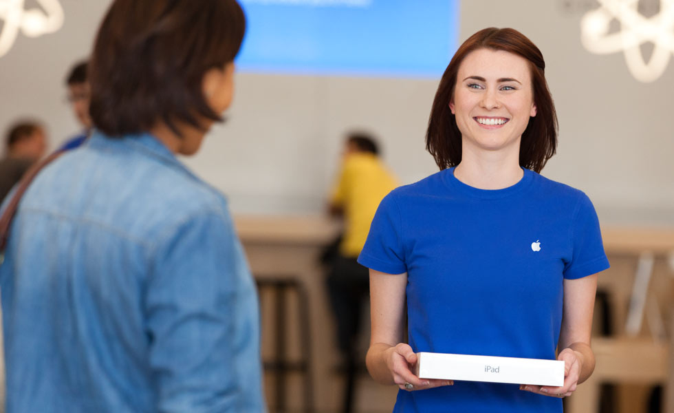 Apple brings Personal Pickup to UK, posts Guided Tour for Apple Pay