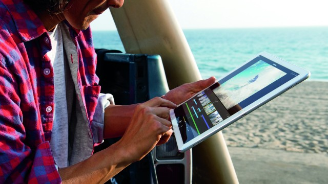 Don't expect a hybrid between MacBooks and iPads anytime soon