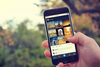Share your story with amazing pictures on Showzee