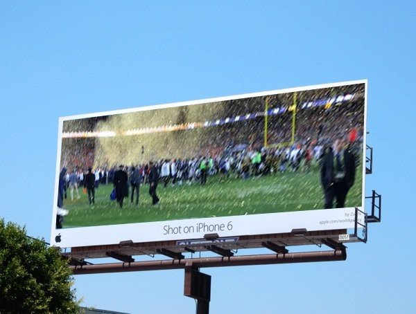 Tim Cook's tweeted Super Bowl 50 photo attracts hecklers