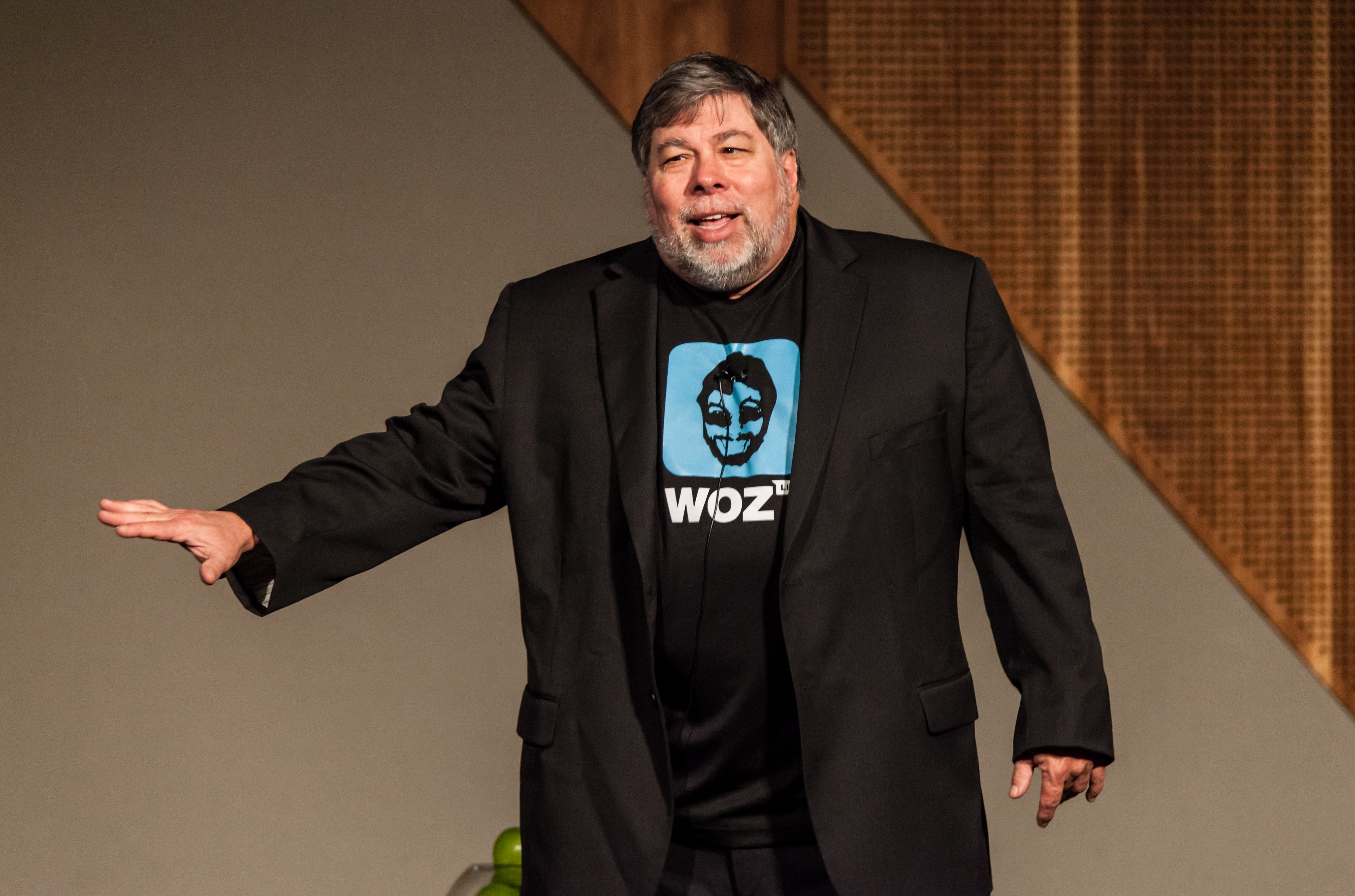Apple co-founder Steve Wozniak brings Comic Con to Silicon Valley